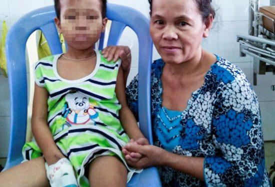 bé Nguyễn Minh Khôi mo