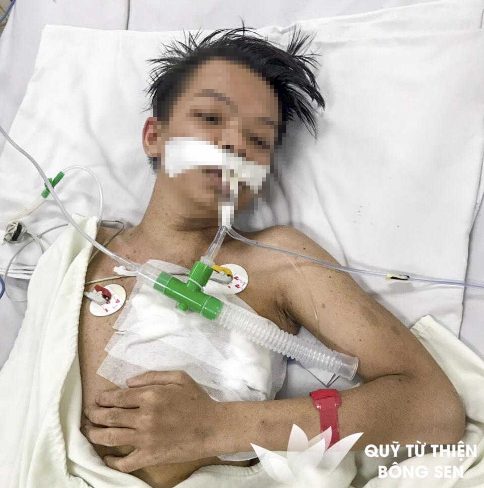 Kỳ 434: Cha già, mẹ đau, người con trai mang khối u trong người